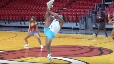 Hombre audiciona para grupo de baile del Miami Heat