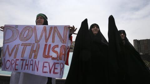 En Teherán siguen las protestas por la salida de EEUU del pacto n...