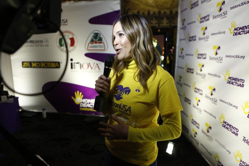 Karla Martínez en Teleton USA 2015