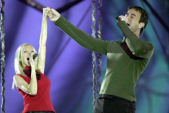 """Ambos interpretaron el tema """"Celebrate the Future Hand in Hand"""" ."""