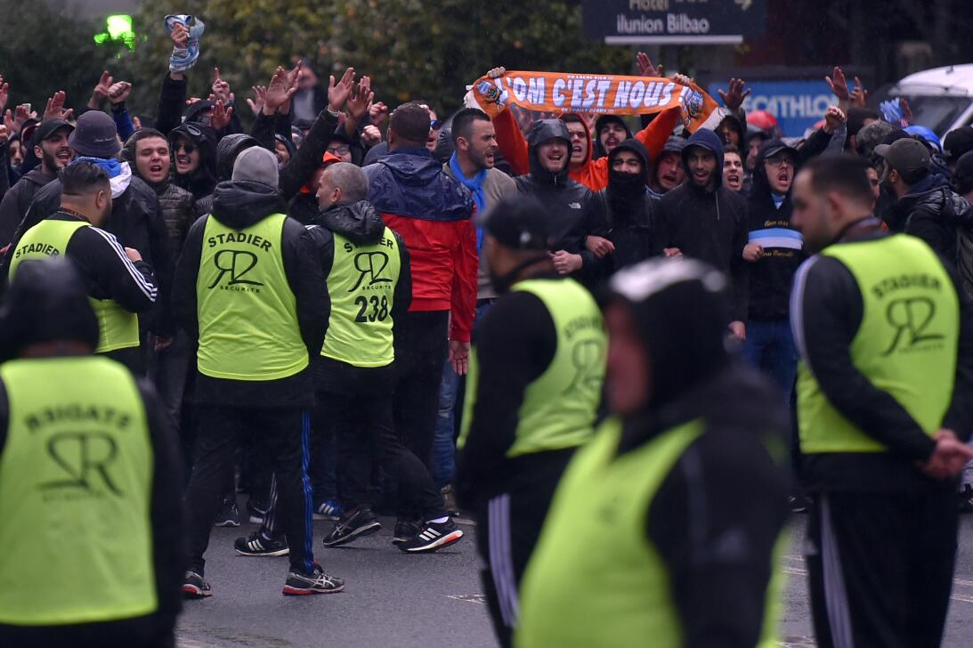 Incidentes en Bilbao previo al partido entre Athletic y Marsella por Eur...