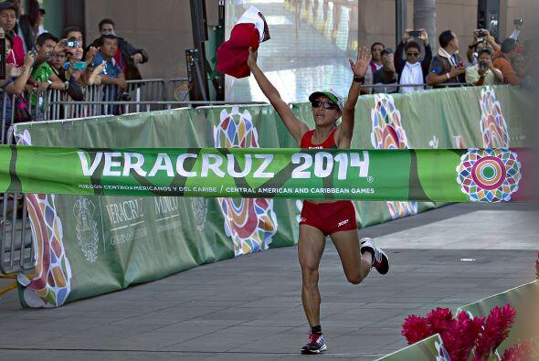 Con el tiempo que registró Margarita Hernández en la maratón femenil, la...
