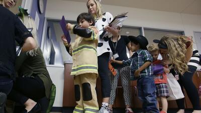 Los niños que asisten a la educación preescolar experiment...