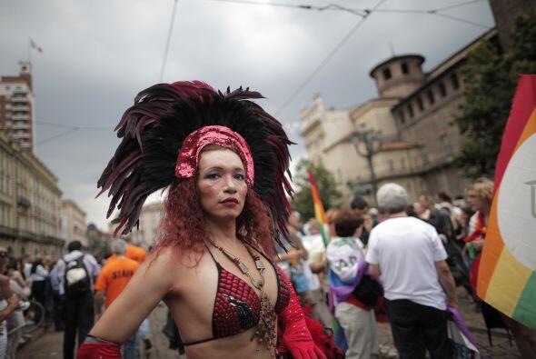 Unos más por un atuendo de carnaval.