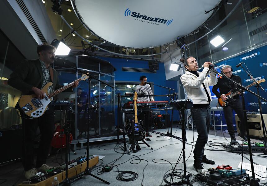 Comenzamos con Jei Beibi, de la banda mexicana Café Tacvba.