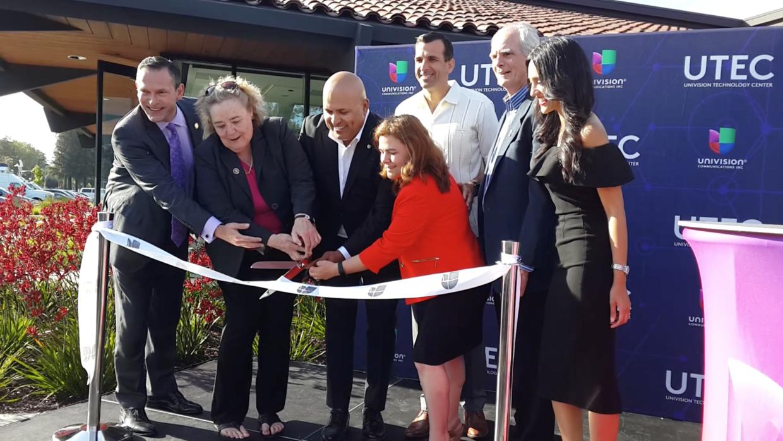 La ceremonia de inauguración de UTEC en California.