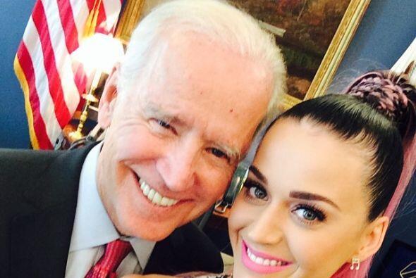 Y al parecer Joe Biden también se la pasa bien con Katy Perry.