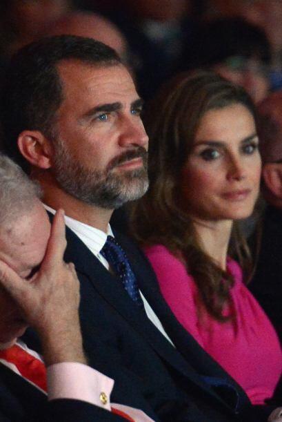 "Ya en esos momentos se escucharon los primeros ""¡Viva Asturias!"" de la v..."
