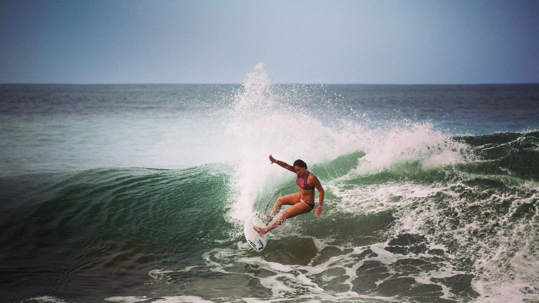 Campeona nacional de surfing de Puerto Rico en categorías 16 y 18 años.