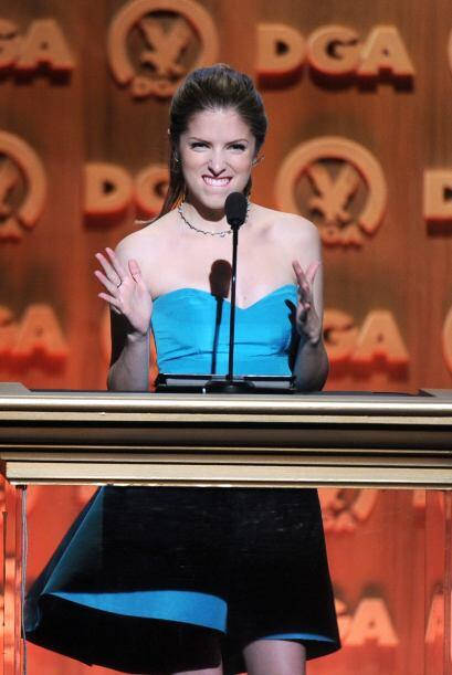 Anna Kendrick parece que se emocionó de más cuando anunció al ganador de...