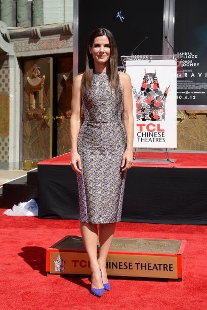 Sandra Bullock posa tras el reconocimiento.