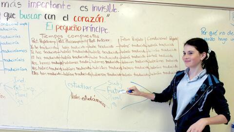 Los programas bilingües español-inglés han crecido r&...