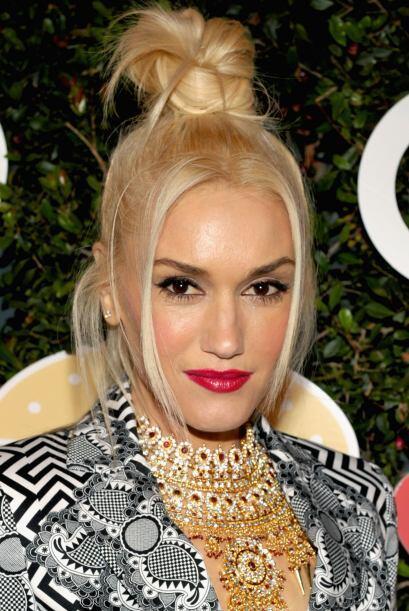 Más repuesta y enamorada que nunca Gwen regresó a la vida pública ahora...