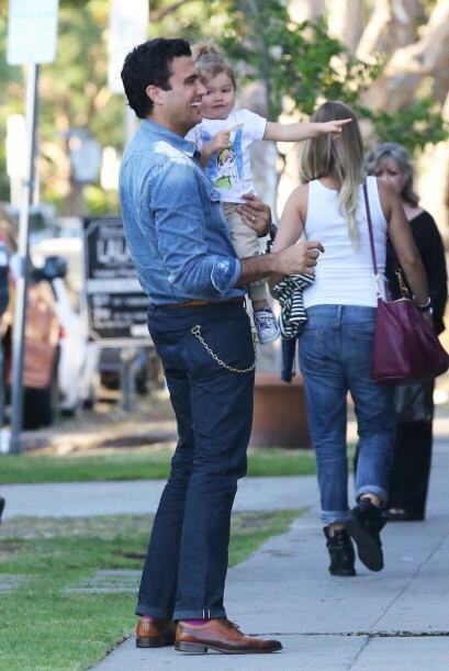 Jaime Camil y Elena El protagonista de la telenovela 'Qué pobres tan ric...