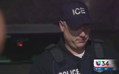 Si una persona es detenida en Georgia y tiene un hold de ICE, ¿se puede...
