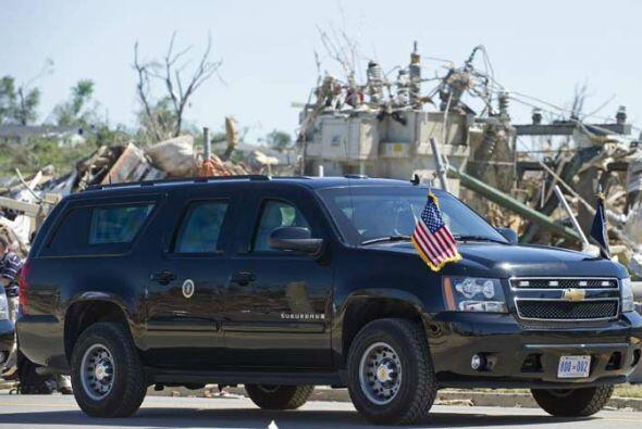 El presidente Barack Obama visitó la zona afectada en su Cadillac Escala...