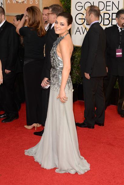 Mila Kunis se llevó de las mejores calificaciones en su atuendo de Gucci...