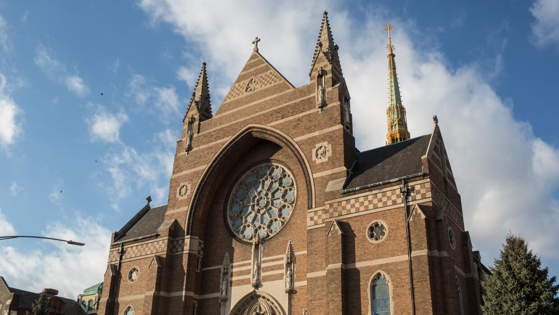 La majestuosa iglesia de estilo gótico inglés de San Florián ganó un pre...