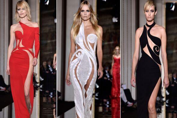 Atelier Versace presentó un desfile de Alta Costura en París, donde la a...