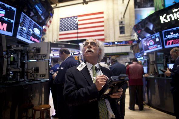 Los indicadores en la Bolsa de Valores de Nueva York abrieron este mi&ea...