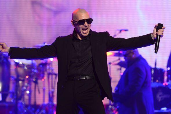 """Pitbull como siempre hizo de las suyas y con """"Back In the Time"""" hizo que..."""