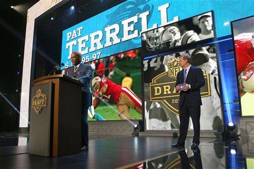 El ex profundo de los Carolina Panthers, Pat Terrell, anunció la selecci...