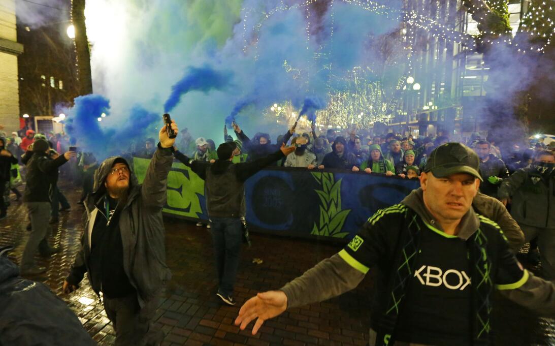 Los colores del fútbol en Seattle en la MLS AP_16328097945550.jpg