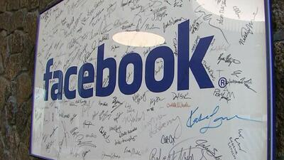 ¿Cuántos hispanos laboran en la empresa Facebook?