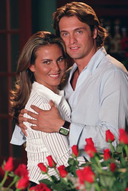 """Kate del Castillo y Juan Soler protagonizaron """"Bajo La Misma Piel"""". Ello..."""