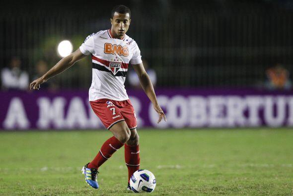 El Inter de Milán intenta convencer al atacante del Sao Paulo Lucas, y l...