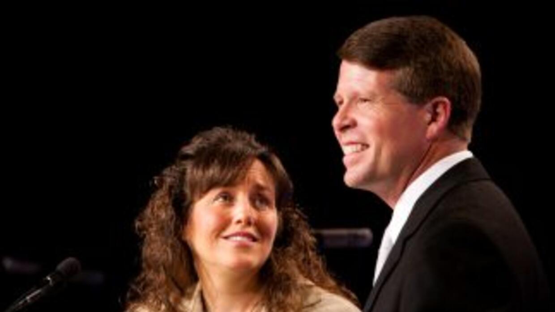 Jim Bob y Michelle Duggar, una pareja que tiene 19 hijos, anunció que es...