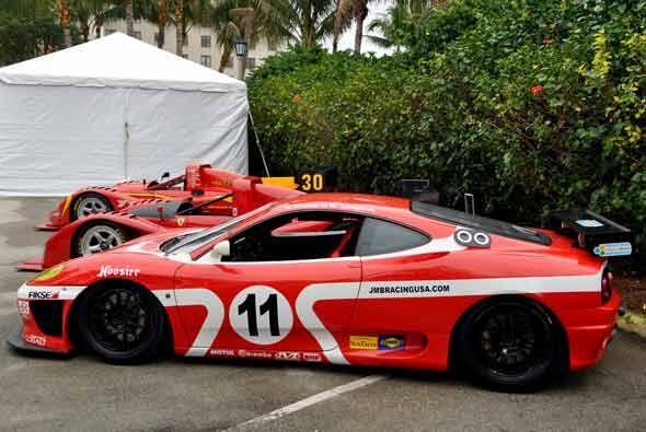 Para los dueños de la serie F430, Ferrari organiza el Ferrari Challenge...