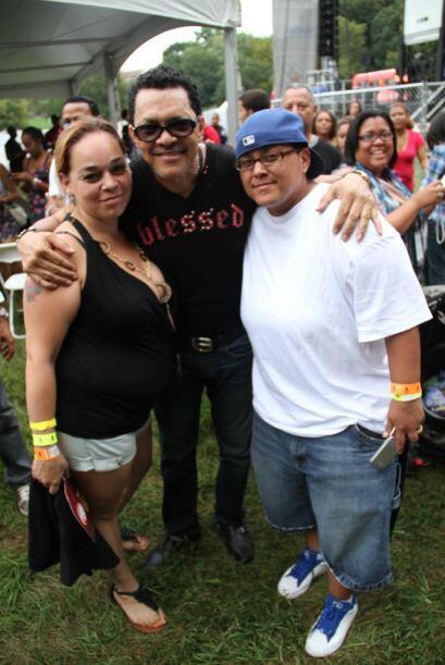 Los Rosario en El Latin Grammy® Street Party 9f89af355bcb4d488479cc0444b...