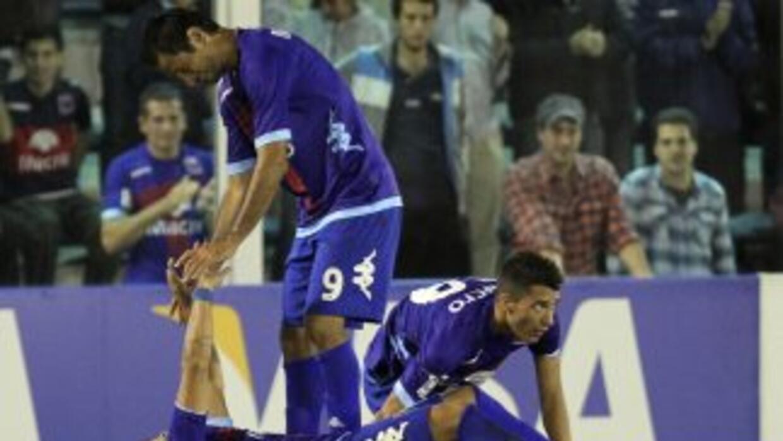Tigre sacó un valioso triunfo ante Vélez que va relegando posiciones en...