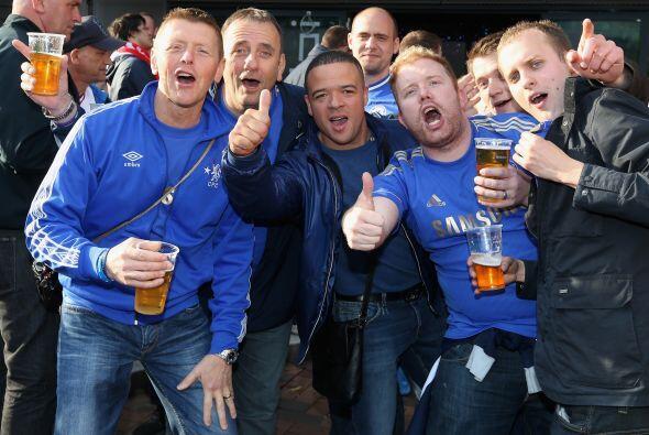 Pero lo mismo sucedió con los seguidores del Chelsea, el otro conjunto f...