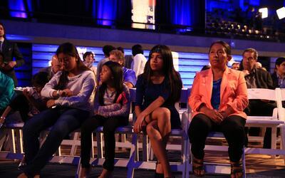 Lucía Quiej y sus hijos antes del debate