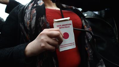 Las pastillas abortivas seguras ahora llegan a tu casa por correo postal