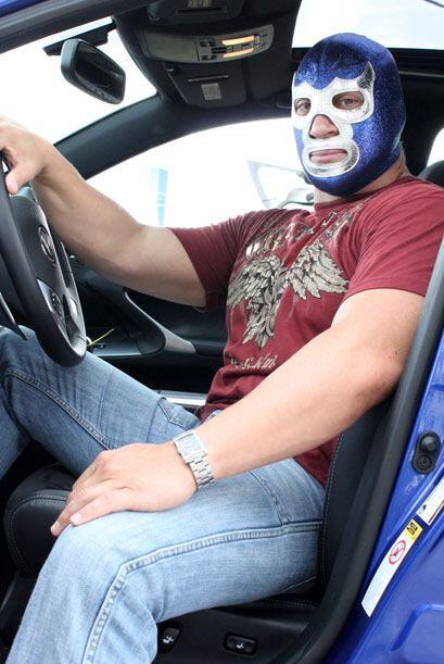 A pesar de no tener temor cuando lucha, es muy respetuoso con la velocidad.