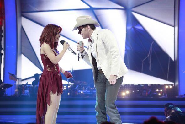 Ana Cristina fue elegida por El Dasa para un dueto impactante.
