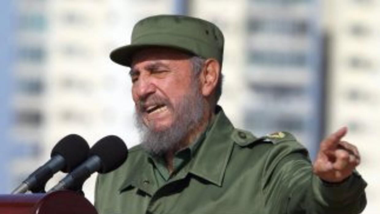 Fidel Castro asegura que renunció al frente del Partido Comunista de Cub...
