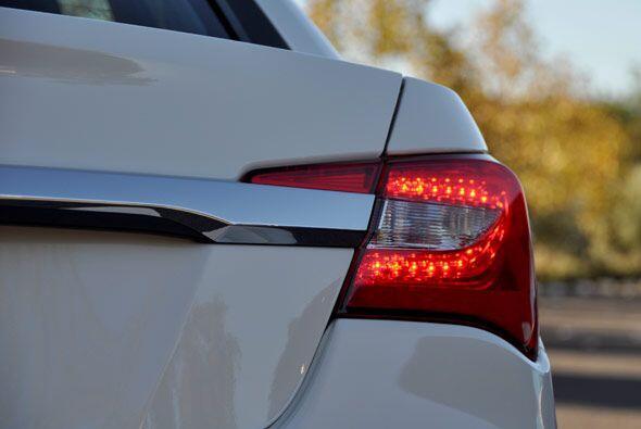 Con el 200 Chrysler piensa reestablecerse como un verdadero gigante de l...