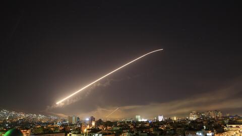 La noche del viernes, Estados Unidos informó que había atacado objetivos...