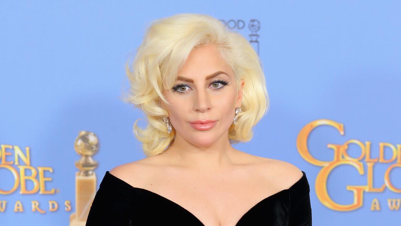 El vestido de Atelier Versace que usó Lady Gaga en los Golden Globes.