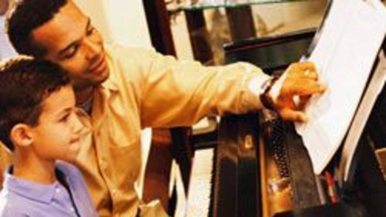 Gobierno P.Rico anuncia programa basado en sistema musical juvenil venez...
