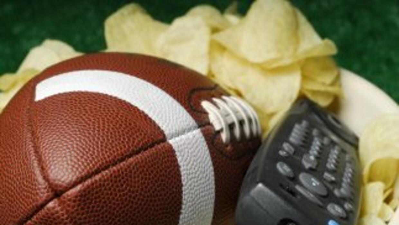 Hay un cambio de planes y de pronto la fiesta de Super Bowl se hace en t...