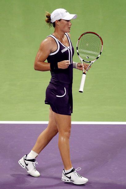 La dos del mundo, la rusa Vera Zvonareva, derrotó por 6-3, 6-0 a la serb...