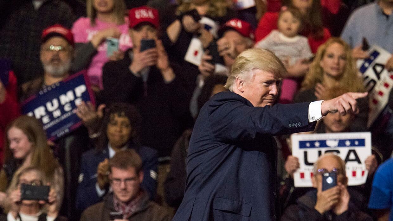 Todo luce como si Trump no ha terminado su campaña.