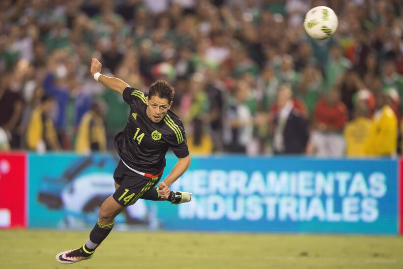 Chicharito el mejor en el triunfo de México sobre Chile