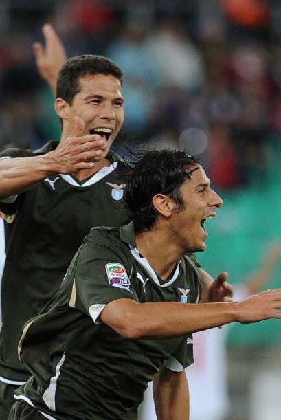Y Floccari puso el 2-0 para el definitivo triunfo del aún l&iacut...