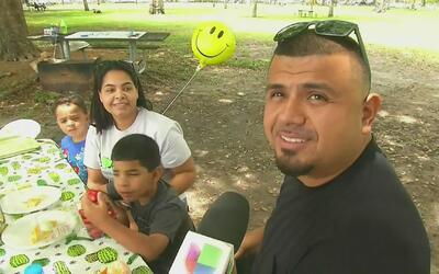 Reencuentros y celebraciones de inmigrantes en Florida durante el Día de...
